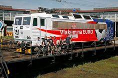 Second locomotive for Euro 2012 (163.043-3)