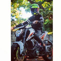 @the_duker_cj ✌️✌️✌️ #duke #ktm #ktmduke #duke #dukelife #peace #wanderlust #wandering #longtrip #wander #ktm #ktmduke #ktmworld #gopro… Duke Motorcycle, Duke Bike, Thor Ragnarok Full Movie, Best Poses For Men, Duke Images, Ktm Rc 200, Ktm Duke 200, Emoji Defined, Ns 200