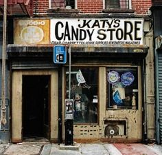 new york. Instagram New York, Shop Facade, Shop Fronts, Candy Stores, Candy Store Nyc, Candy Shop, Front Windows, Front Doors, School Store