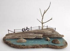 Kirsty Elson on - Home Decorating Ideas - Badezimmer - Garten - Möbelmodelle Driftwood Projects, Driftwood Art, Kirsty Elson, Salvaged Wood, Beach Crafts, Miniature Houses, Decoration Table, Beach Art, Little Houses