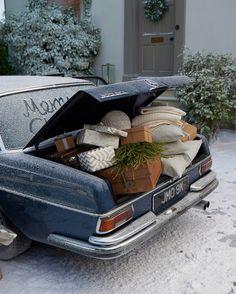 Driving home for Christmas #gifts / Guidando verso casa per Natale #regali