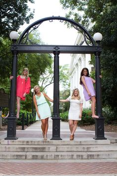Athens senior photography. Classic UGA Arch photo with your best friends! Wear different colors and stand on different levels! Senior  Photo By Claire Diana Photography