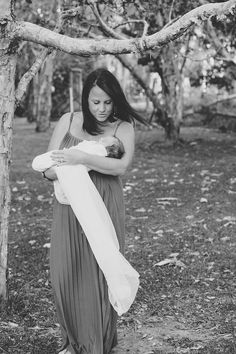 family shoot baby mother and child The Family Verbruggen- featuring Baby Layla {Coffs Harbour Family Portrait Photographer Sawtell} » Leah Moore   Coffs Harbour Portrait Photo...