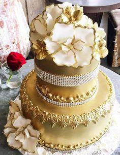 Featured Cake: Royal Cakes & Designs; Wedding cake idea.