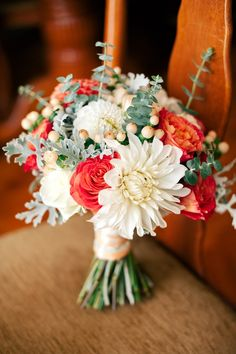 Beautiful wedding bouquet with white, red and purple flowers standing on a chair Spring Wedding Bouquets, Fall Bouquets, White Wedding Bouquets, Flower Bouquet Wedding, Floral Bouquets, Bridal Bouquets, September Wedding Colors, Fall Wedding Colors, Autumn Wedding