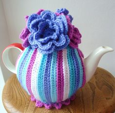Knit or Crochet tea cozy! / Floral tea cosy