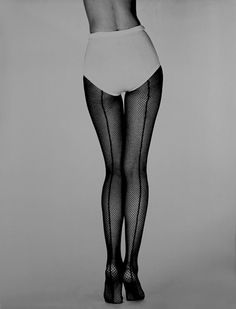 Fernand Fonssagrives. For Hanes Hosiery, 1958. S)