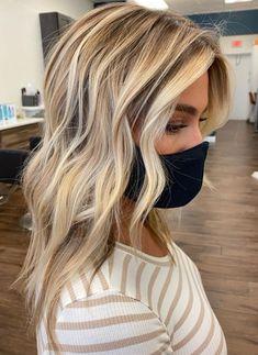 Fall Blonde Hair, Blonde Hair Looks, Blonde Hair Red Lips, Beachy Blonde Hair, Platinum Blonde Balayage, Hair Color Balayage, Hair Highlights And Lowlights, Low Lights Hair, Blonde With Low Lights