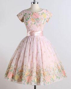50s Dresses, Casual Dresses, Short Dresses, Fashion Dresses, Vintage Gowns, Mode Vintage, Vintage Outfits, Pretty Outfits, Pretty Dresses