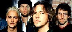 Pearl Jam, Eddie doet slaapkamer ogen.