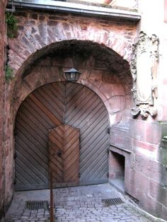 Castles always have fascinating doors and Heidelberg castle doors will not disappoint. Countries Around The World, Around The Worlds, Castle Doors, Door Entryway, Largest Countries, Central Europe, Cathedrals, Germany Travel, Palaces