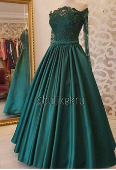 Green Wedding Dresses, Pretty Prom Dresses, Prom Dresses Long With Sleeves, Cute Dresses, Beautiful Dresses, Dark Green Prom Dresses, Ball Gowns Prom, Ball Dresses, Vintage Prom