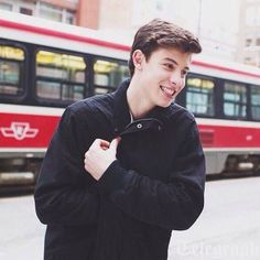 13. Shawn Mendes | Community Post: 20 Hottest Guys From YouTube.