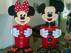 Kumbara Mickey Mouse Crafts, Mickey Mouse Images, Mickey Mouse Parties, Minnie Mouse Cake, Disney Crafts, Tin Can Crafts, Foam Crafts, Crafts For Kids, Paper Crafts