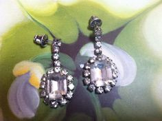 VINTAGE SILVER TONE DANGLE RHINESTONE PIERCED EARRINGS  017 #Pierced