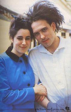Mary Poole y Robert Smith