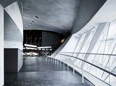 Mercedes-Benz Museum, UN Studio, Ben van Berkel and Caroline Bos © Michael  Schnell
