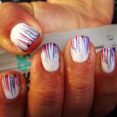 4th of July nails. This is cool but how the heck do you do it??