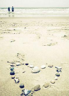 Blogger Diary: On A Beach  http://blog.freepeople.com/2012/05/blogger-diary-beach/