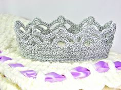 Baby crown. I love these right now.