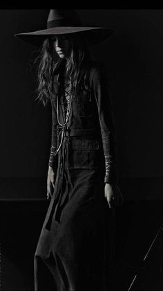 the ultimate way: caroline brasch nielsen by mario sorrenti for vogue italia march 2013 Black White Fashion, Dark Fashion, Gothic Fashion, New Fashion, Trendy Fashion, Boho Fashion, Womens Fashion, Cowgirl Fashion, Modern Witch Fashion