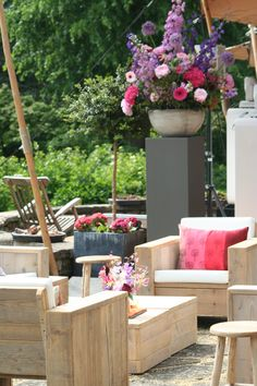 Sfeerimpressie bruiloft met steigerhouten meubelen van Woodiez