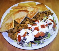Házi Gyros Tál Tortilla Burrito, Easy Homemade Desserts, Homemade Beauty Products, Beauty Recipe, Preppy Style, Bacon, Healthy Eating, Lunch, Ethnic Recipes