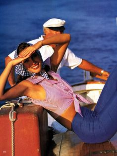 Christy Turlington para Vogue US Dezembro 1992 por Arthur Elgort [Editorial] Yacht Fashion, 90s Fashion, Vintage Fashion, Vintage Vogue, Fashion Shoot, Vintage Art, Arthur Elgort, Christy Turlington, Postcards From Italy