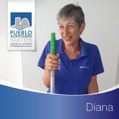 Esta mujer que trabaja con tanta alegría se llama Diana. Se encarga de mantener todo Limpio en las zonas comunes durante la tarde y resolver cualquier problema que pueda surgir a nuestros clientes. --- This woman who works with such joy is called Diana. She keeps all Clean in public areas during the evening and resolve any problems that may arise to our customers.