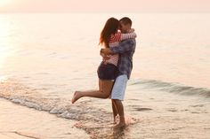 Marquette Park Beach Engagement Photography » Ashley Biess Photography