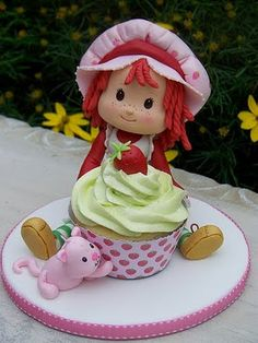 Bravo, Elizabeth's Cakes! Job well done on this Strawberry Shortcake birthday cake!
