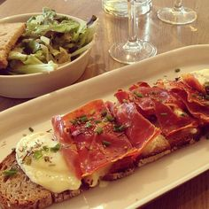 @janepaech A quick, yummy and inexpensive lunch at Poilane Bakery's Cuisine de Bar. The tartine is made on the famous Poilane bread, topped with a generous serving of St Marcellin cheese and Bayonne ham, and popped under the grill #poilane #cuisinedebar #tartine #paris