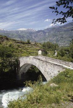 Pont romain, - Villeneuve (Valle d'Aosta) - Italie