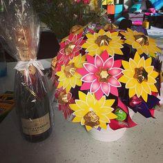 So #spoilt #edibleblooms #leavinggift #moetchandon #chocolateflowers #amazed #yum #champagne #actualfrenchchampagne