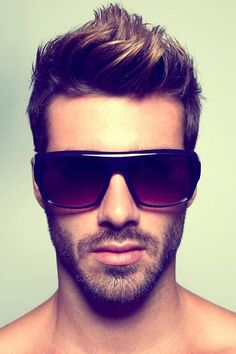 This is pretty much exactly the hair cut and style I want my hair to look like. Except shorter on the sides for more contrast. Short Hair Cuts, Short Hair Styles, Short Beard, Justin Clynes, I Like Your Hair, Faux Hawk, Boy Hairstyles, Glasses Hairstyles, Trendy Hairstyles