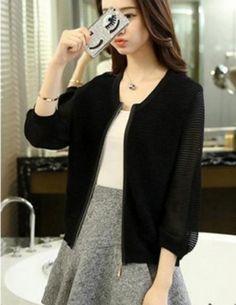 Áo khoác len nhún tay phồng màu đen - B2398