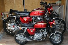 to Honda lovers this looks like a Lion & Cob Honda Motorcycles Cbr, Honda Bikes, Honda Cb750, Cool Motorcycles, Vintage Motorcycles, Yamaha, Custom Mini Bike, Sr500, Honda Motors