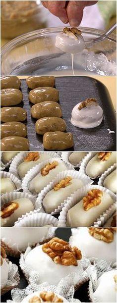 PARTICULARMENTE AMO ESSE DOCINHO,ACHO MUITO CHIQUE!!(Camafeu de nozes) VEJA AQUI>>>Em uma panela, coloque leite condensado, manteiga e nozes moídas e misture Cozinhe por aproximadamente 5 minutos (até desgrudar da panela) sem parar de mexer #receita#bolo#torta#doce#sobremesa#aniversario#pudim#mousse#pave#Cheesecake#chocolate#confeitaria