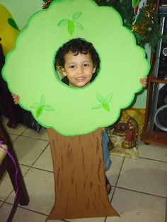 Tree Fancy Dress, Fancy Dress For Kids, Cute Halloween Costumes, Baby Costumes, Animal Crafts For Kids, Diy For Kids, Fancy Dress Competition, Jungle Theme Classroom, Carnival Crafts