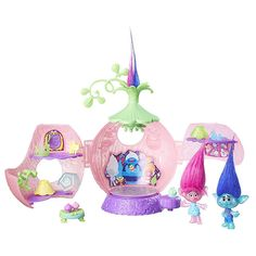 Shop for Trolls Dreamworks Poppys Coronation Pod Playset. Starting from Choose from the 4 best options & compare live & historic toys and game prices. Dreamworks, Princesa Poppy, Trolls Movie, Trolls Poppy, Christmas Gifts For Kids, Christmas Ornaments, Christmas 2017, Poppy And Branch, Kids Store