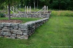 New England Laid Stone Wall. Boulder Retaining Wall, Garden Retaining Wall, Retaining Walls, Dry Stack Stone, Dry Stone, Masonry Work, Stone Masonry, Rock Wall Gardens, Building Raised Garden Beds