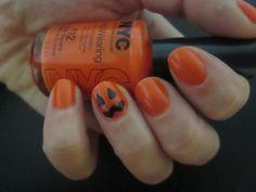 Pumpkin nail design for Halloween