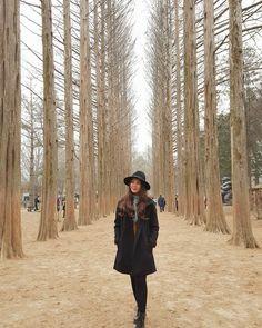 winter is coming ❄😻 Travel Ootd, Winter Travel Outfit, Winter Fashion Outfits, Fall Outfits, Travel Outfits, Outfit Winter, Spring Korea, Autumn In Korea, Korea Winter