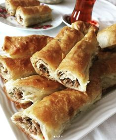 Nefis Yemek Tarifleri Sandviç – The Most Practical and Easy Recipes Mince Meat, Spanakopita, Hot Dog Buns, Bakery, Stuffed Peppers, Bread, Ethnic Recipes, Water Water, 1 Egg
