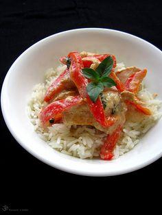 Kuracie kusky s cervenou paprikou a thajskou bazalkou Risotto, Indie, Meat, Ethnic Recipes, Food, Red Peppers, Essen, Meals, Yemek