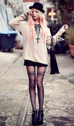 How to Master the Punk Look : Punk fashion is often loose fitting clothes. This baggy sweater, feature tights, jewelry and hat is a perfect punk outfit. Grunge Style Outfits, Style Grunge, Mode Outfits, Boho Grunge, Edgy Outfits, Pastel Grunge, Pastel Goth, Pastel Hair, Pink Hair