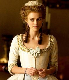 Keira Knightley as Lady Georgiana Cavendish in The Duchess Keira Knightley, Keira Christina Knightley, 18th Century Dress, 18th Century Fashion, Period Costumes, Movie Costumes, Historical Costume, Historical Clothing, Georgiana Cavendish