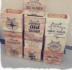 Discover recipes, home ideas, style inspiration and other ideas to try. Diy Wood Projects, Wood Crafts, Diy And Crafts, Projects To Try, Wooden Crate Boxes, Wood Boxes, Diy Birthday Gifts For Dad, Organizer Box, Pallet Crates