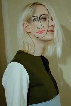 March 2015 ☞ Photography ☞ French designer Jacquemus sends models down his Paris catwalk with second Picasso face. Backstage at Jacquemus Photography by Virginia Arcaro. Make Up Art, Eye Make Up, Two Faced Makeup, Creative Makeup, Face Art, Face And Body, Makeup Inspiration, Creative Inspiration, Makeup Looks
