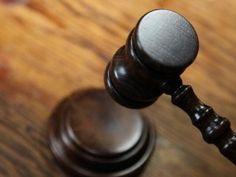 Stanley Roy informa: Hombre muere fuera de tribunal tras ser condenado ...